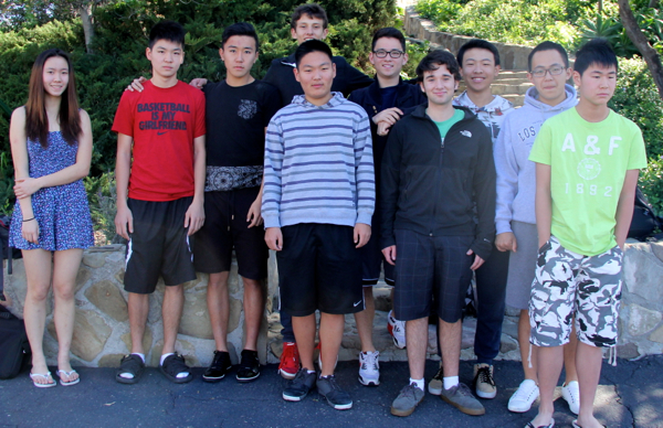 Ojai Valley School's League of Legend squad.